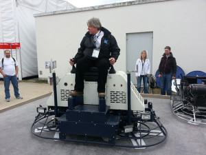 Двухроторная гидравлическая бетонозоглаживающая машина BT120
