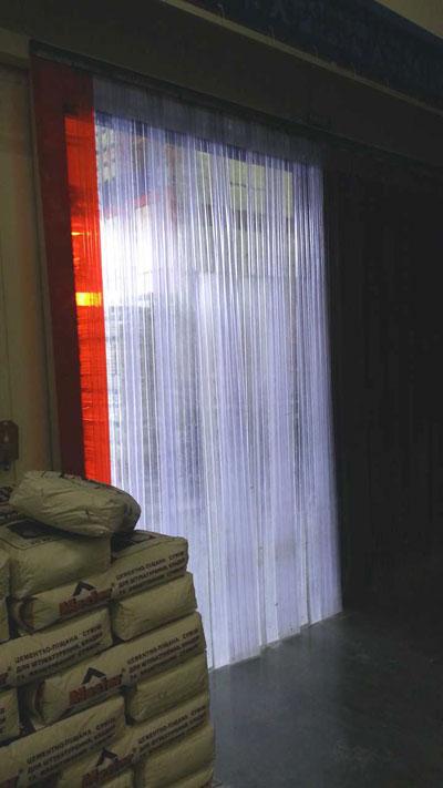 ПВХ завесы с ребрами жесткости фото